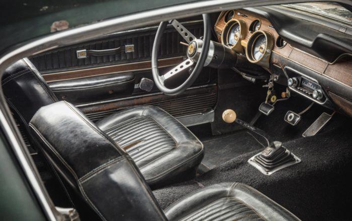 Bullitt Mustang interior