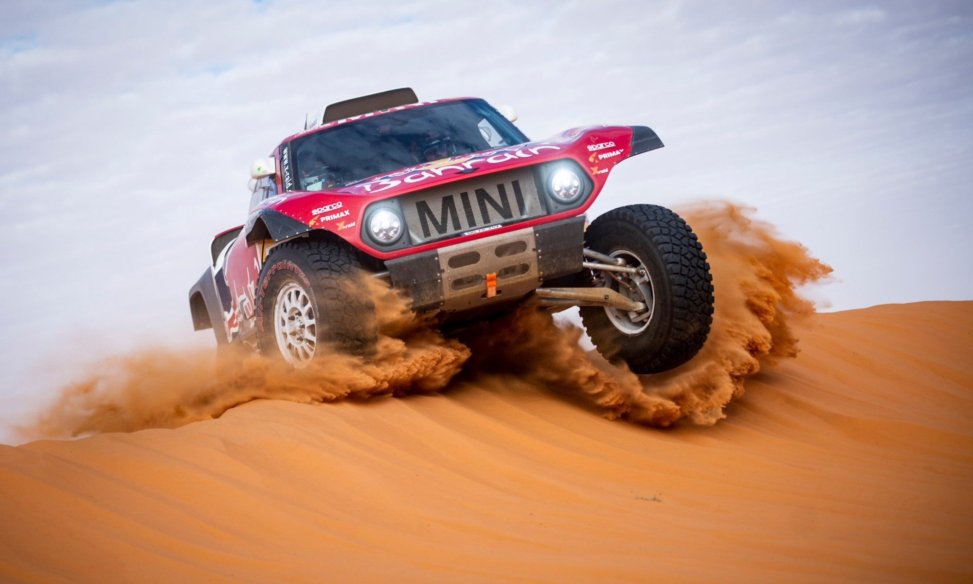 Carlos Sainz in action during 2020 Dakar Stage 6.