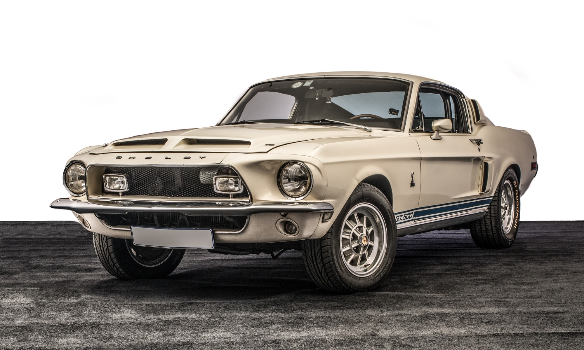Completely original and unrestored Shelby Mustang GT 500 headlines the classic car auction