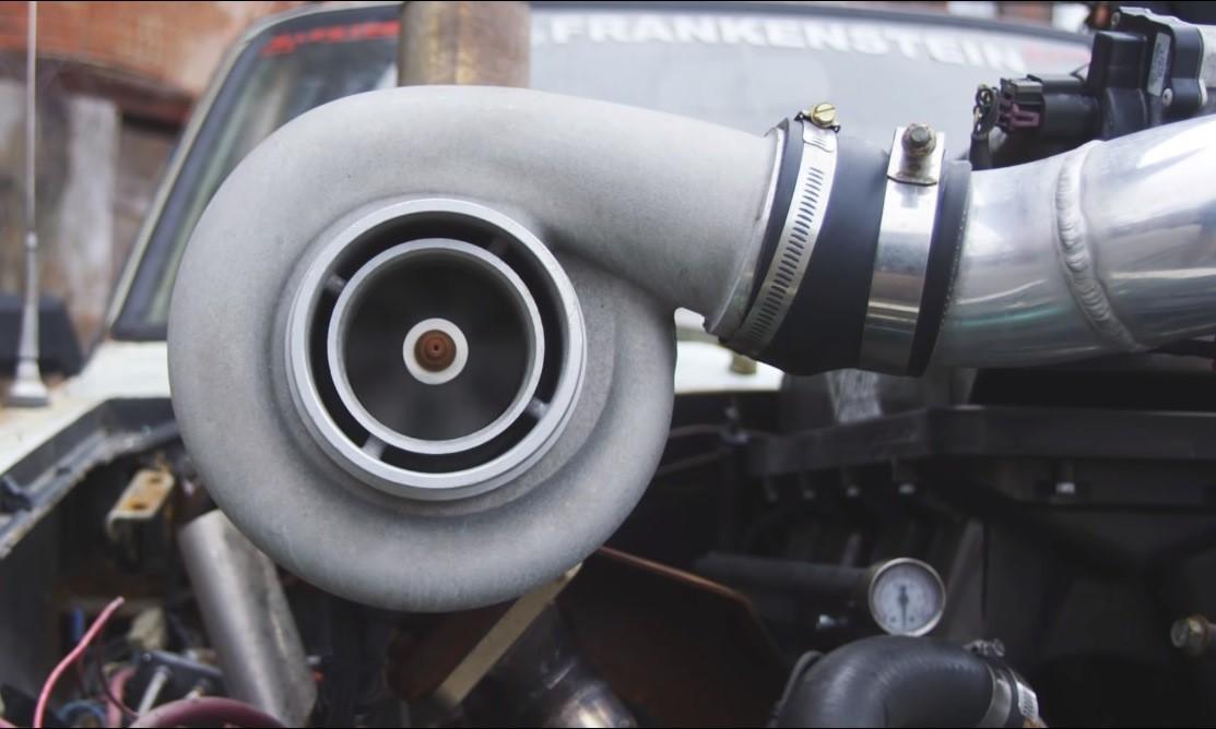 Deathwish 1977 Toyota Hilux turbo