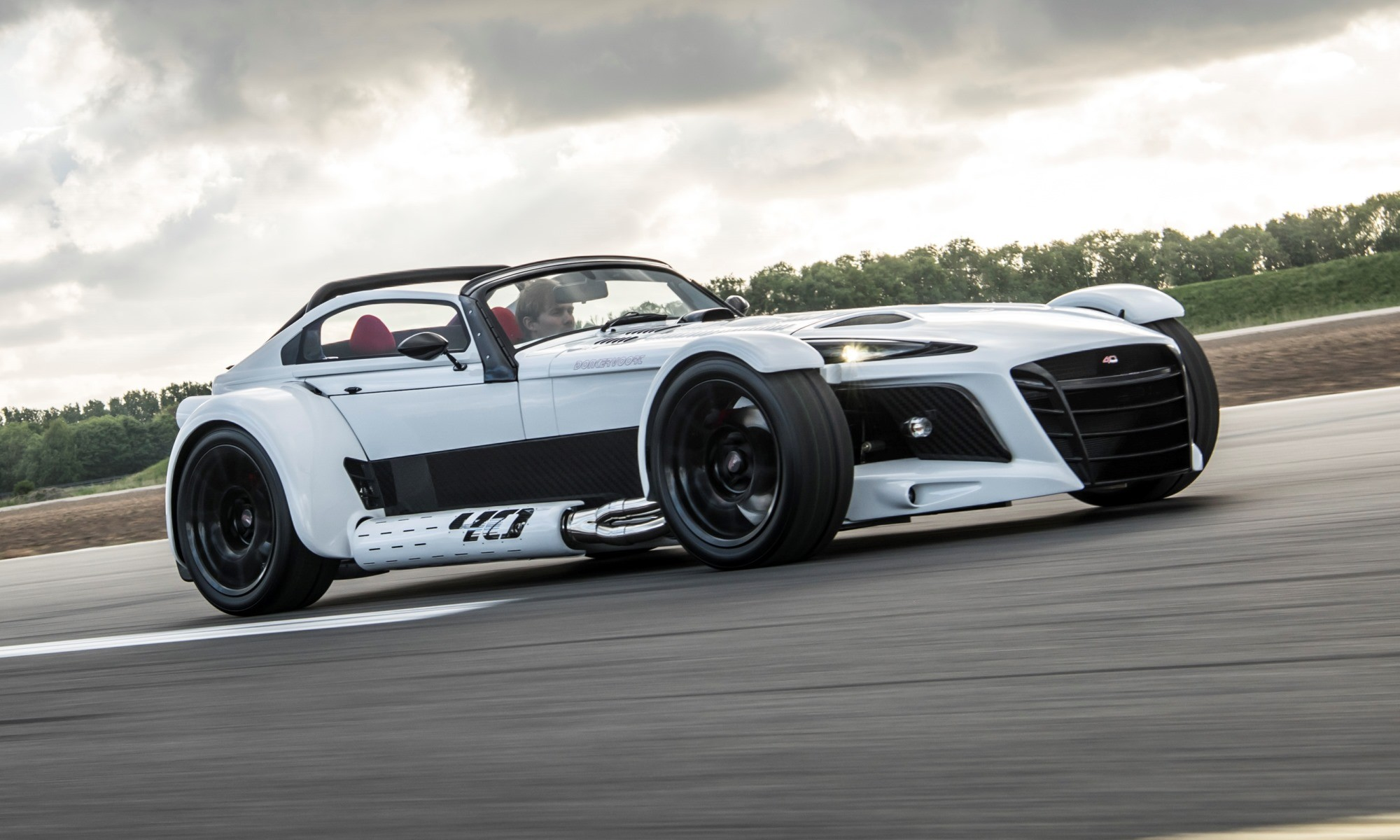donkervoort d8 gto 40 is a supercar from a dutch company. Black Bedroom Furniture Sets. Home Design Ideas