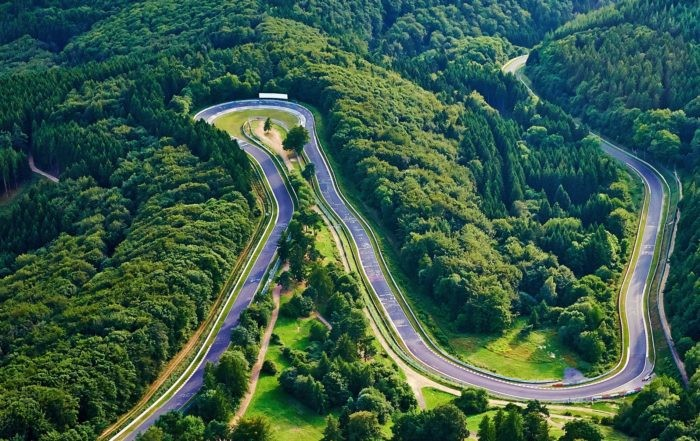Driving the Nurburgring Nordschleife 4