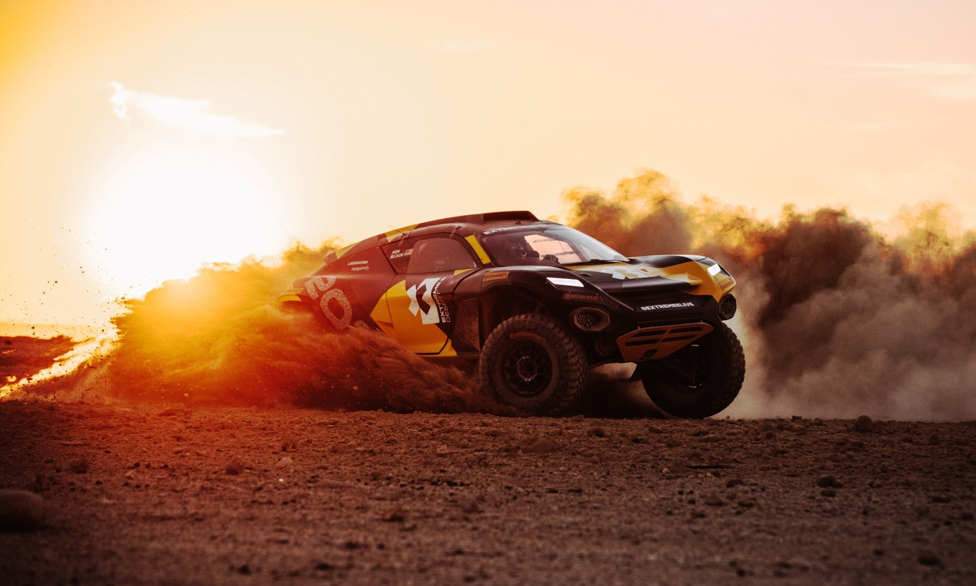Extreme E Racer Debuts at Dakar Rally