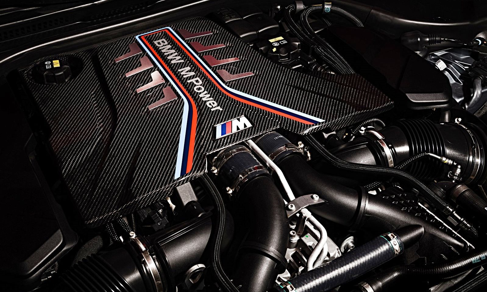 Facelifted BMW M5 engine