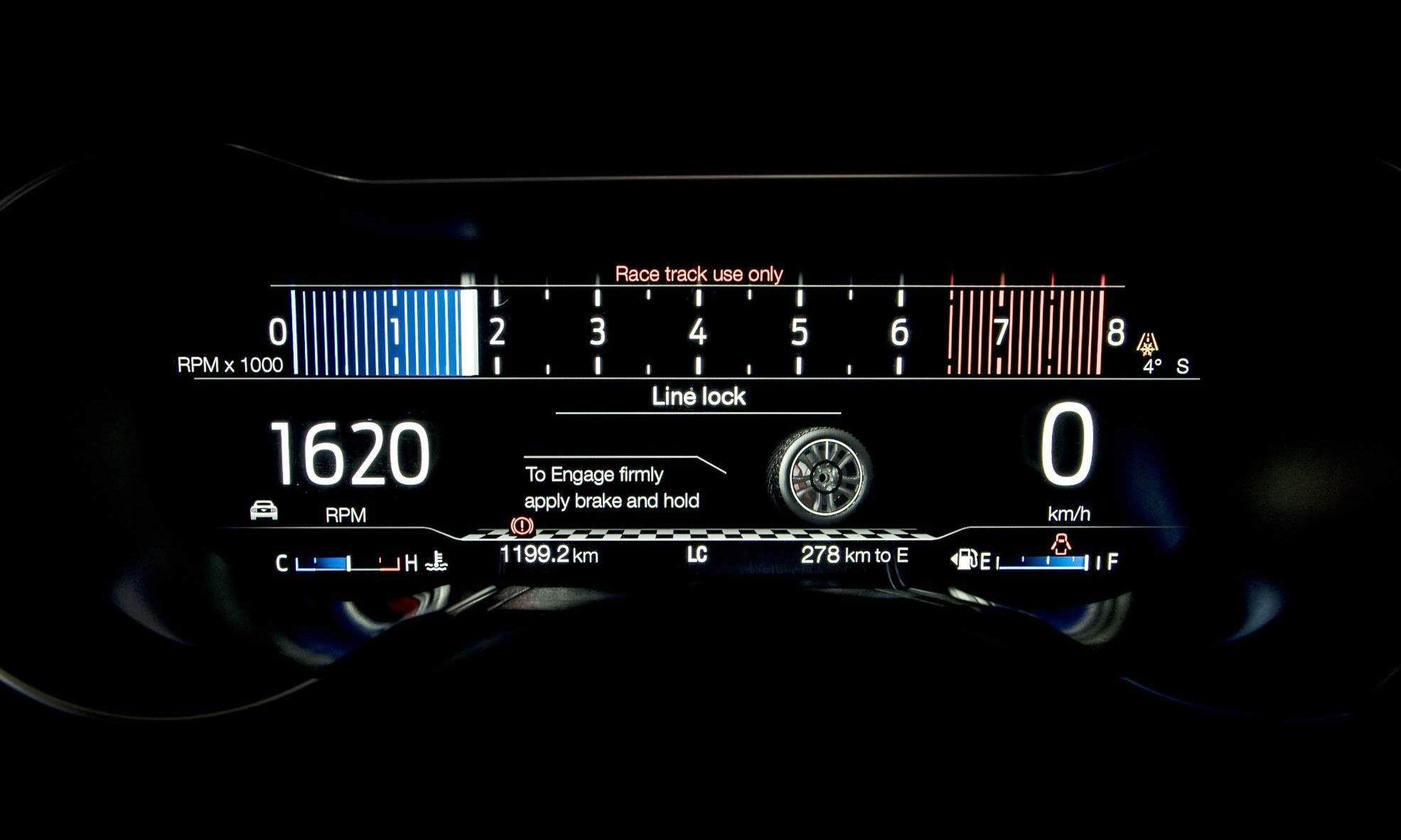 Facelifted Ford Mustang instruments
