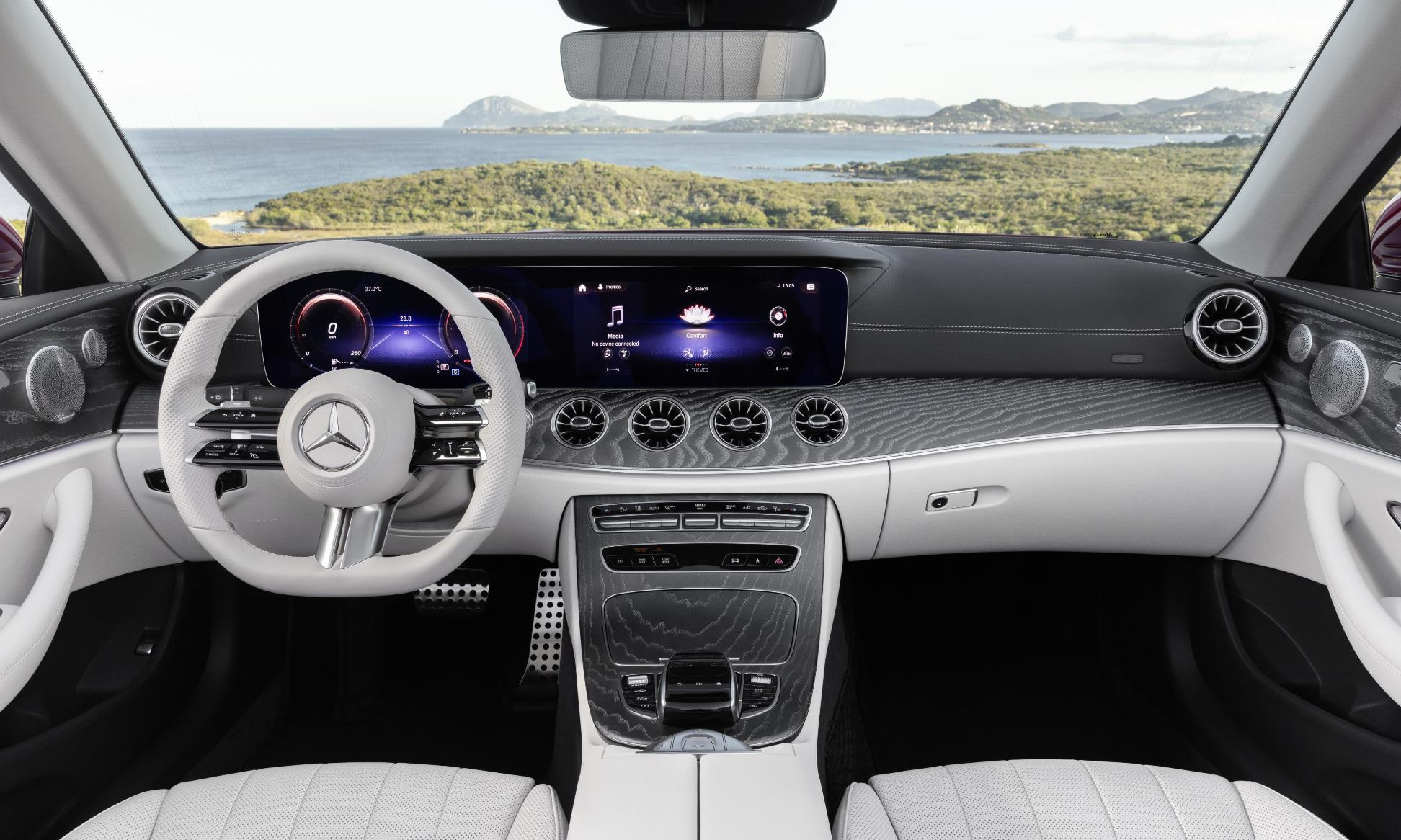 Facelifted Mercedes-Benz E-Class interior