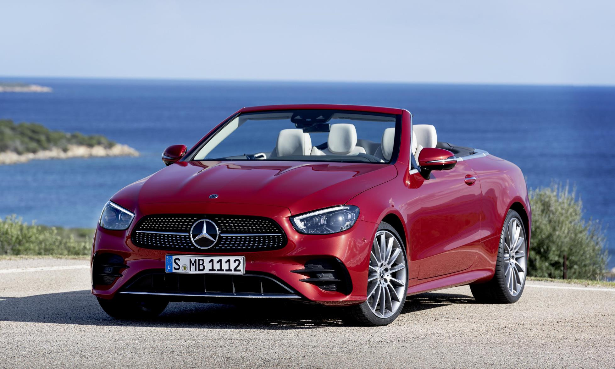 Facelifted Mercedes-Benz E-Class Cabrio