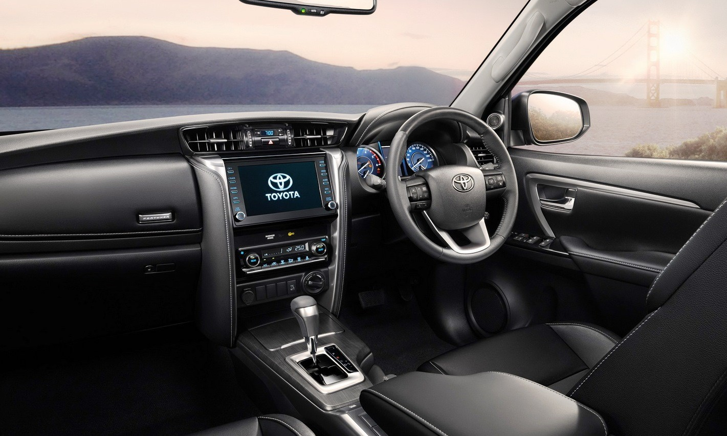 Facelifted Toyota Fortuner interior