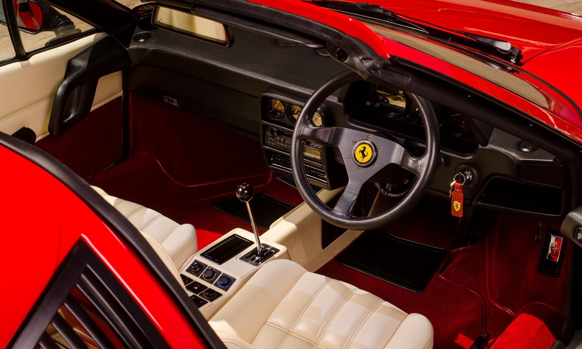 Ferrari 328 GTS interior