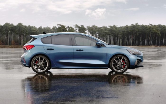 Ford Focus ST profile