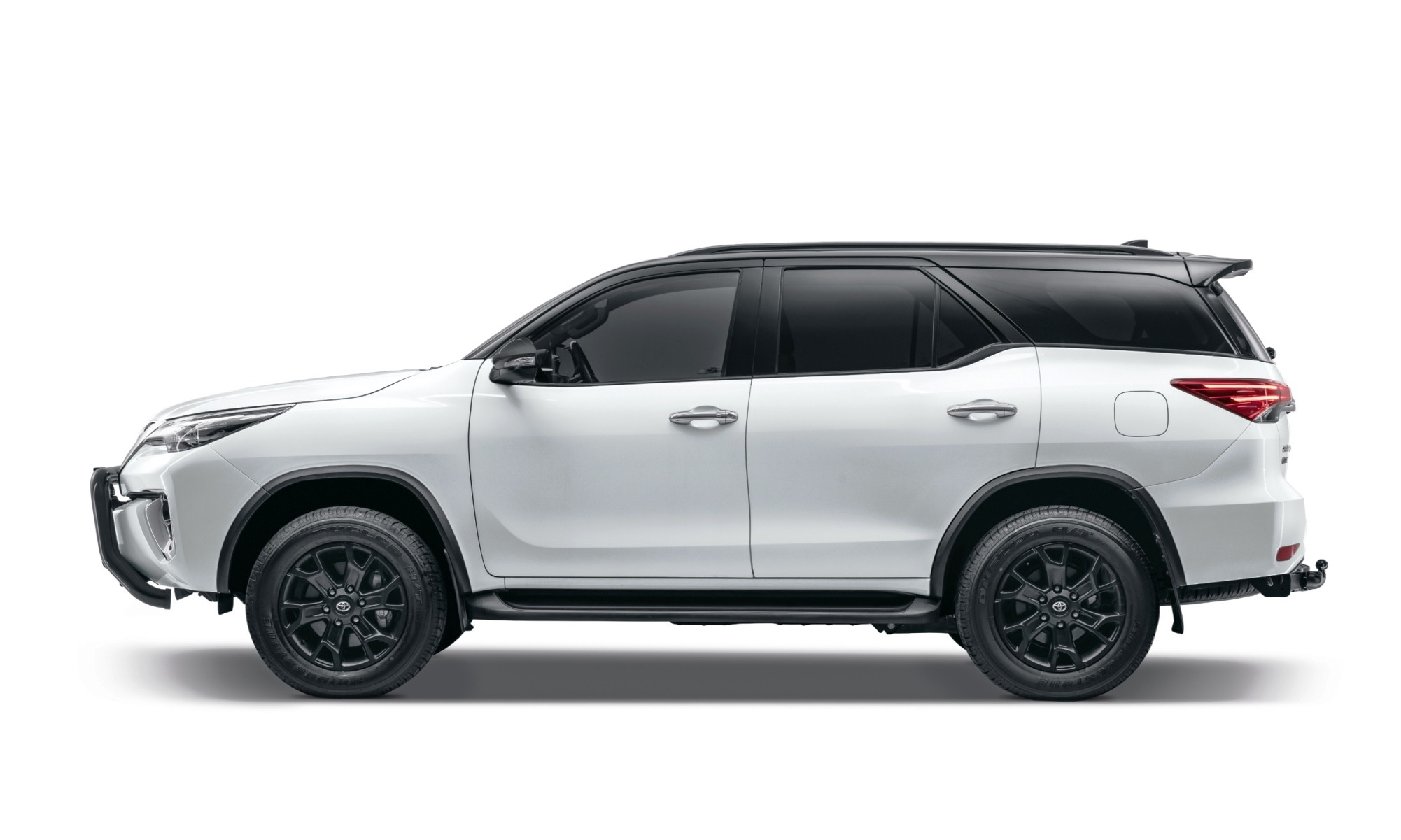 Toyota Fortuner Epic profile