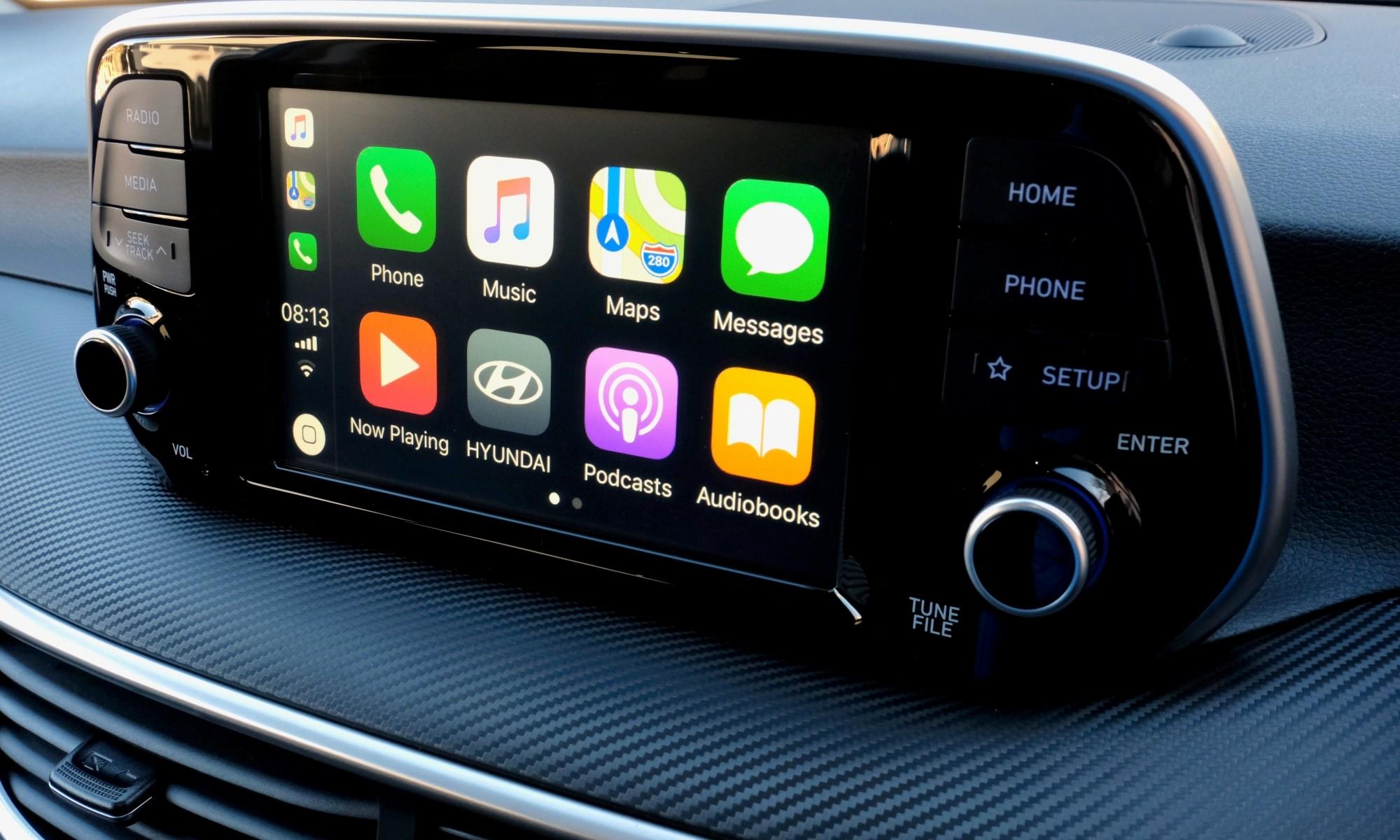 Hyundai Tucson Sport infotainment interface