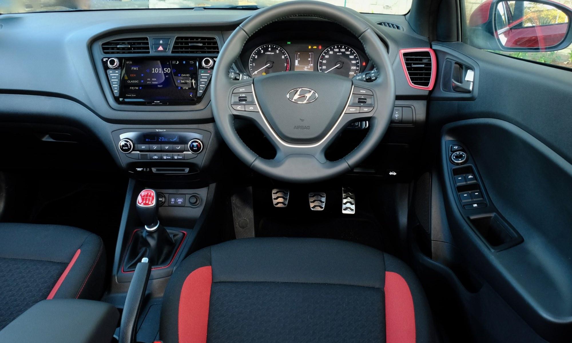 Hyundai i20 Active facia