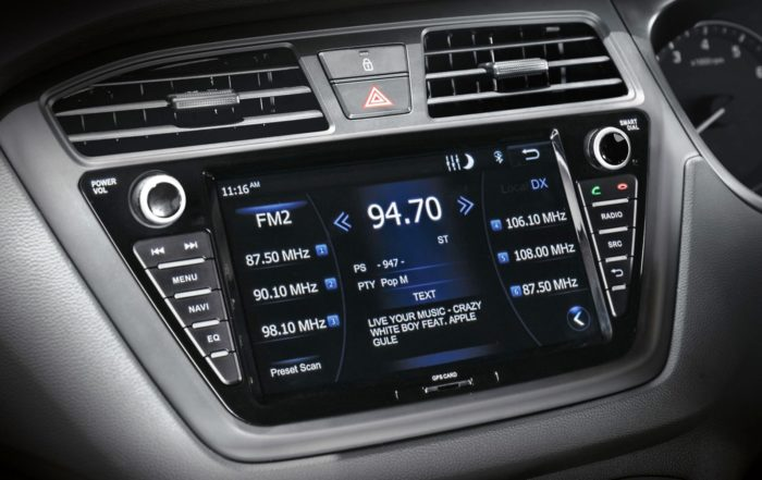 Hyundai i20 Active infotainment screen