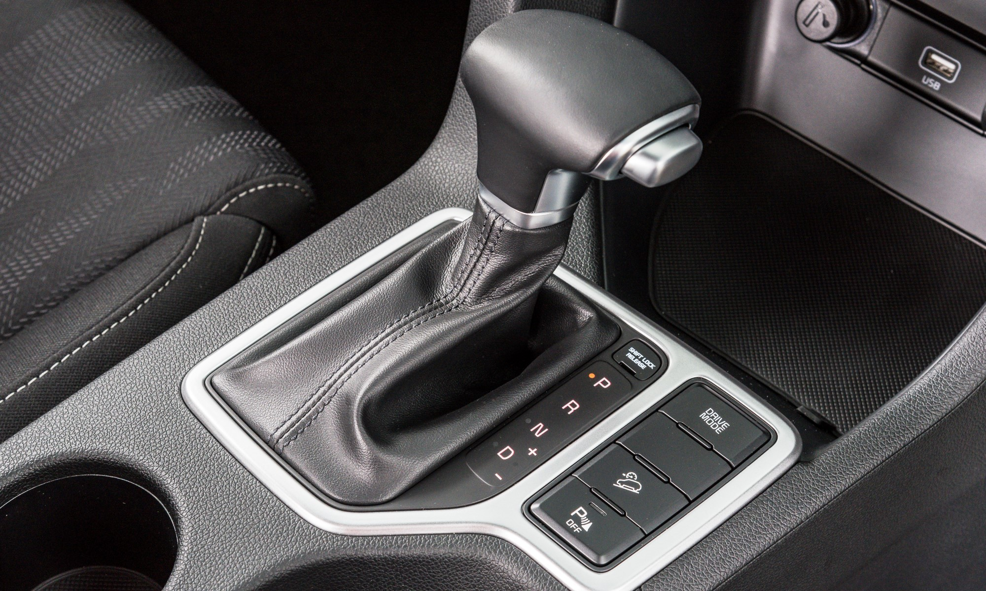 KIA Sportage 1,6 GDI Ignite shift lever