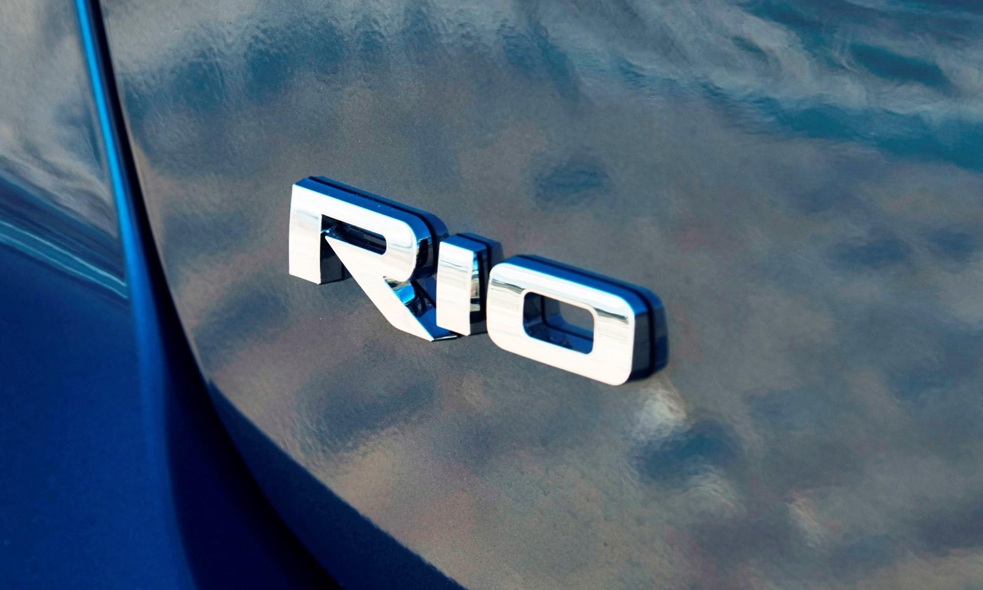 Kia Rio badge