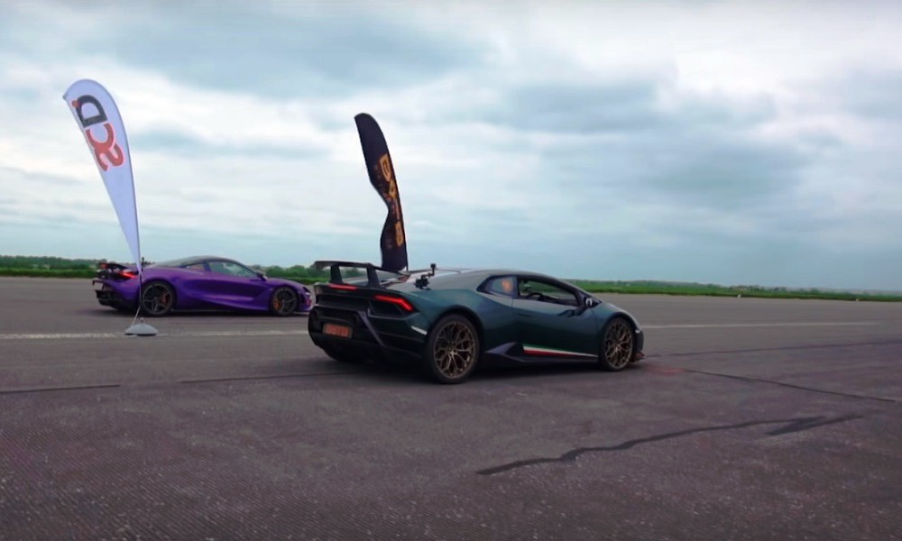 Lamborghini Huracan Performante vs McLaren 720S drag race rear