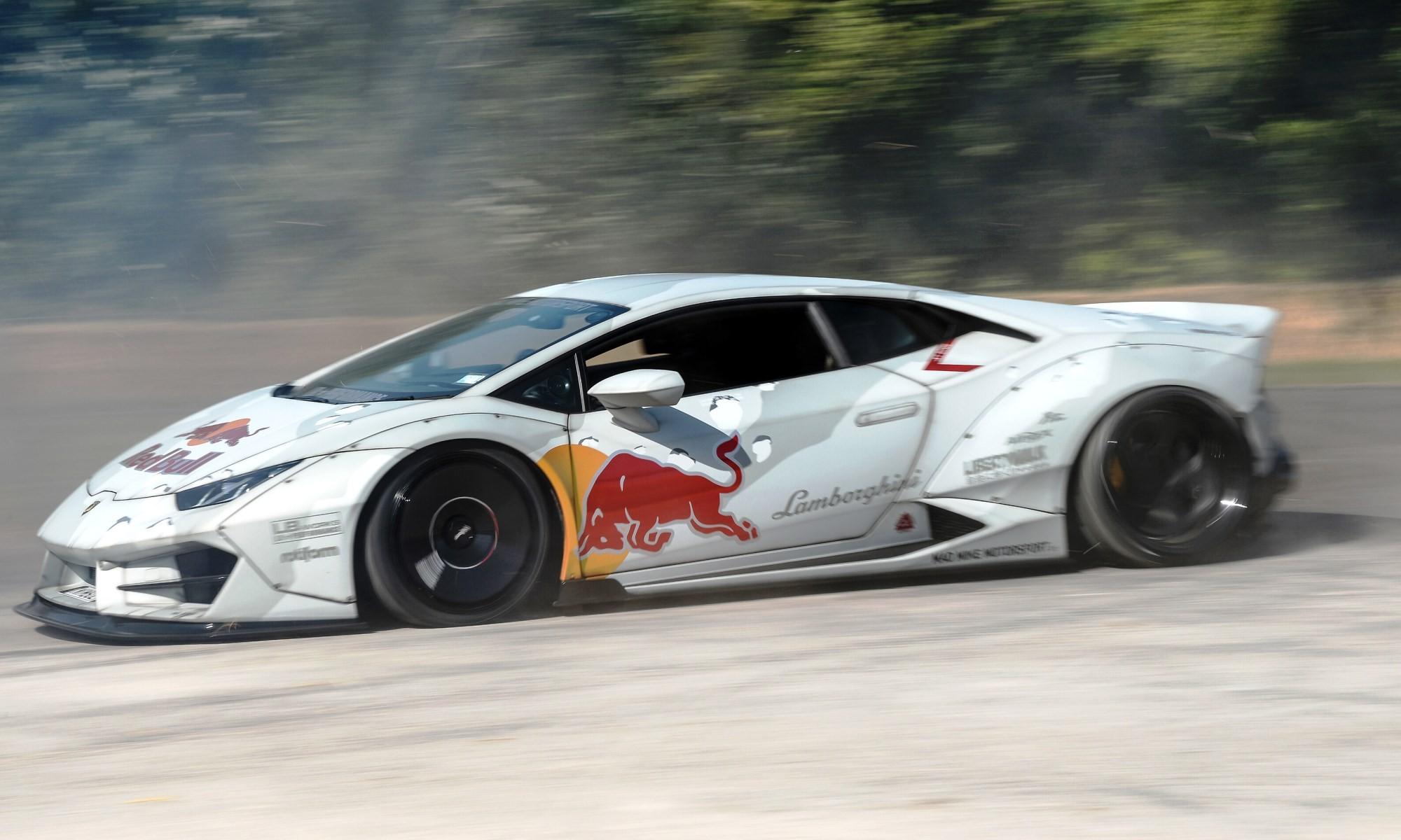 Lamborghini Huracan Drifting 1