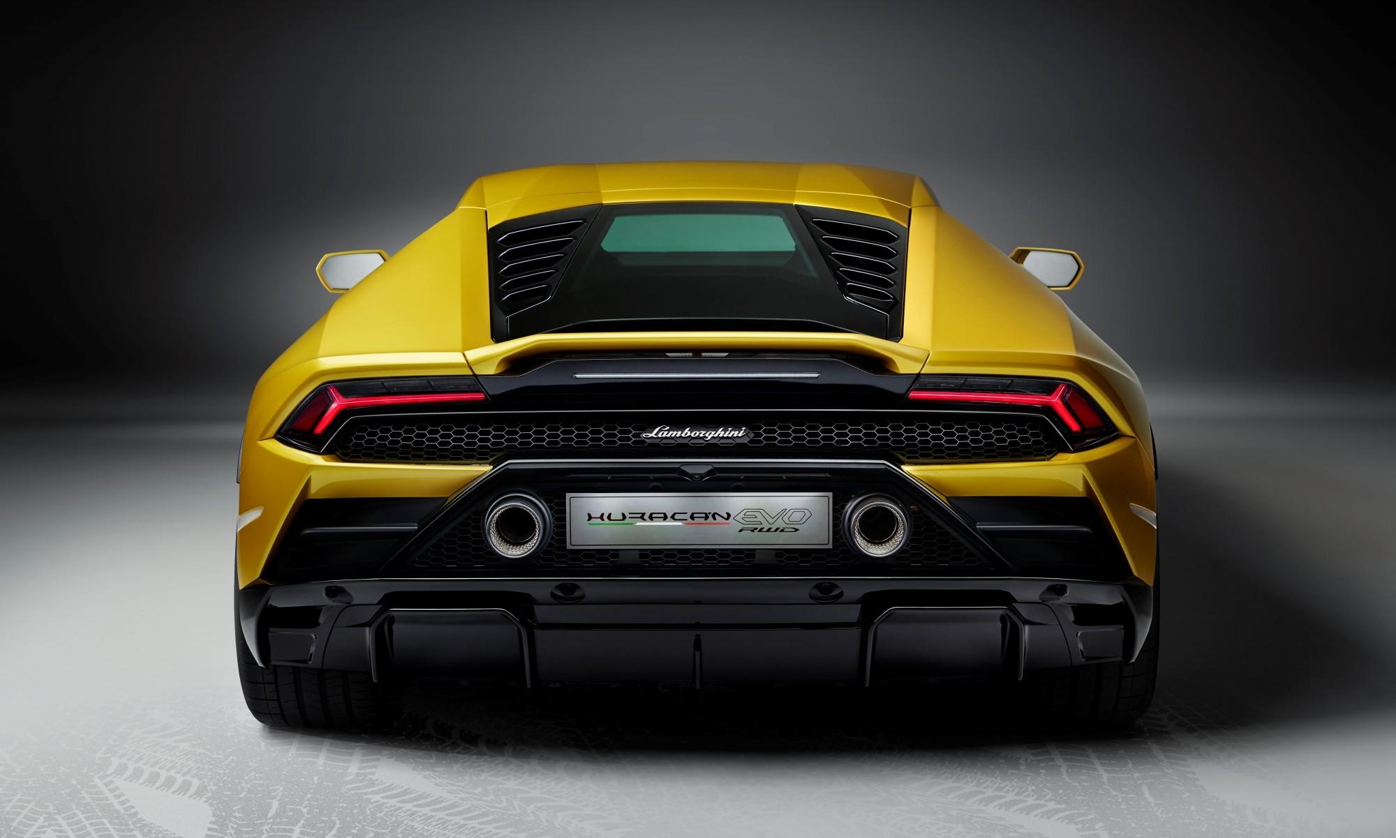 Lamborghini Huracan Evo RWD rear studio