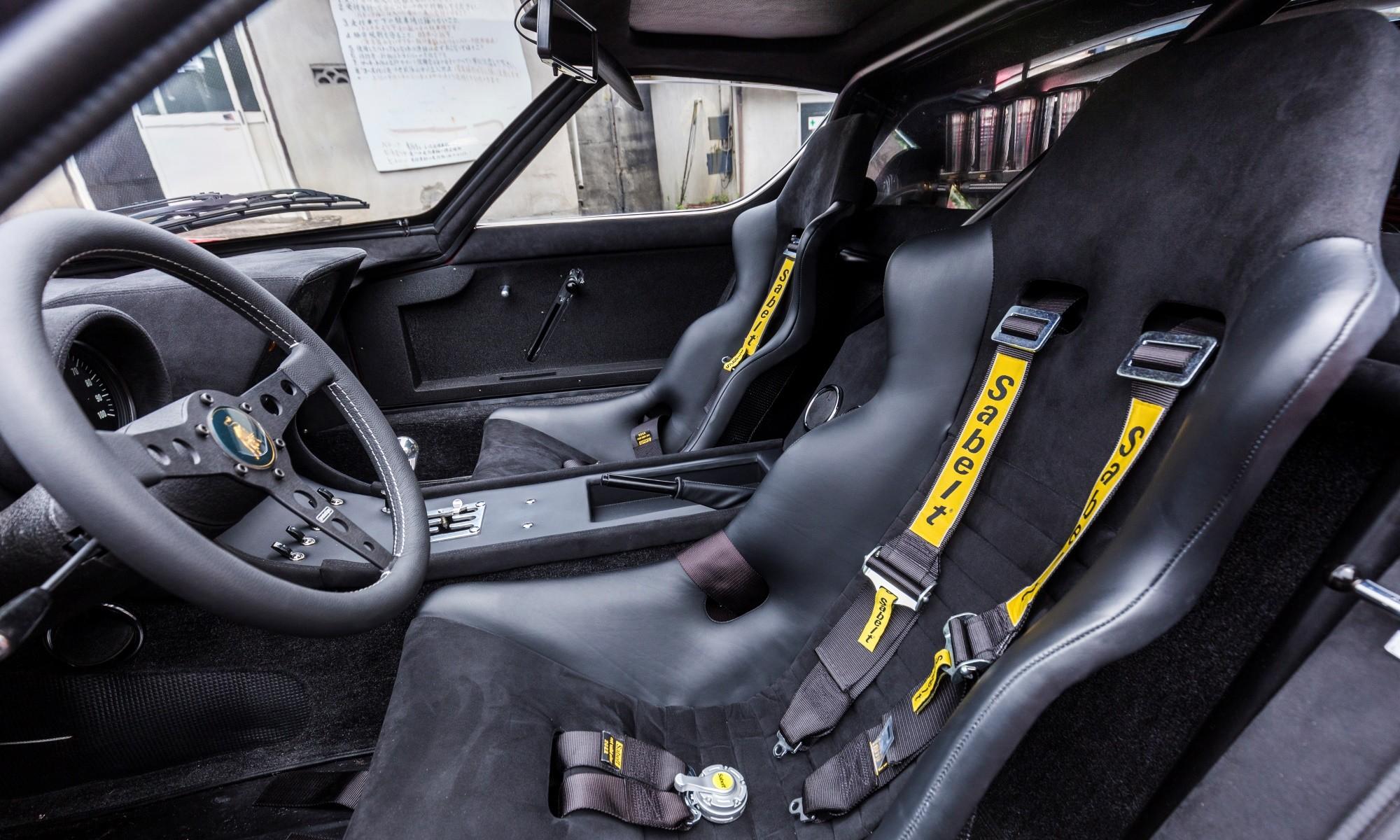 Lamborghini Miura SVR interior