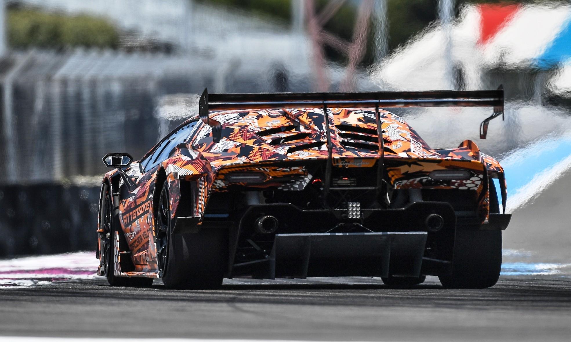 Lamborghini SCV12 rear