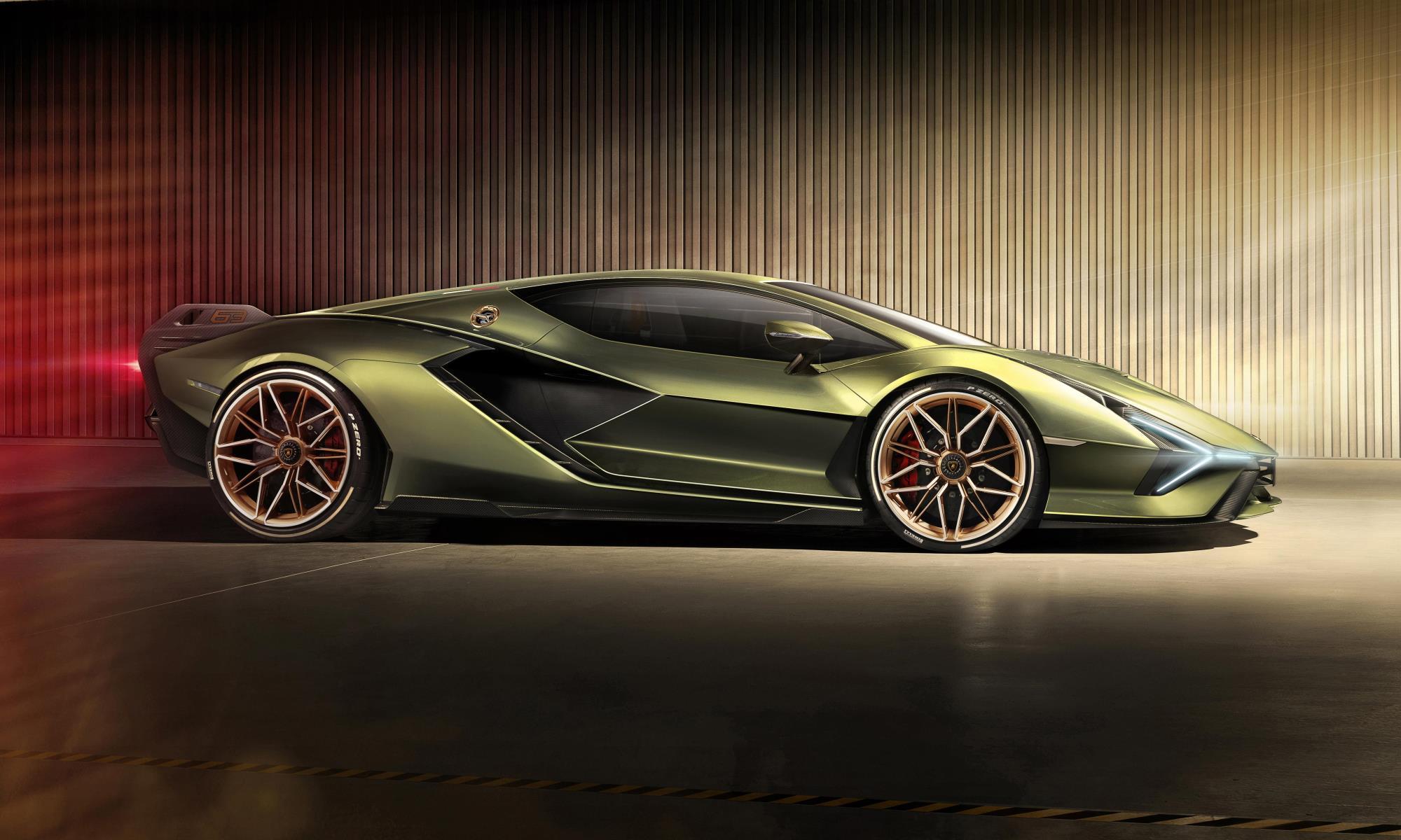 Lamborghini Sian profile