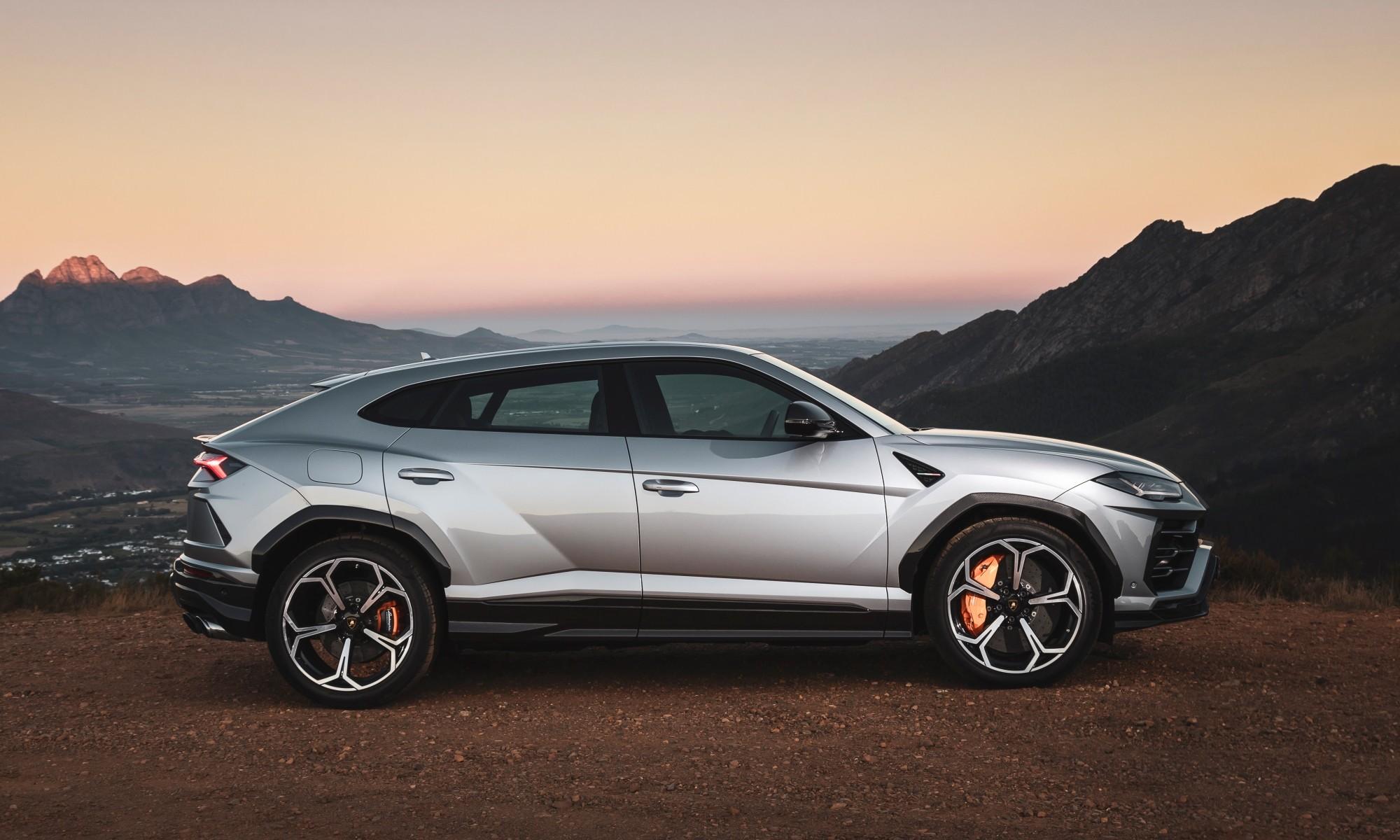 Lamborghini Urus driven profile