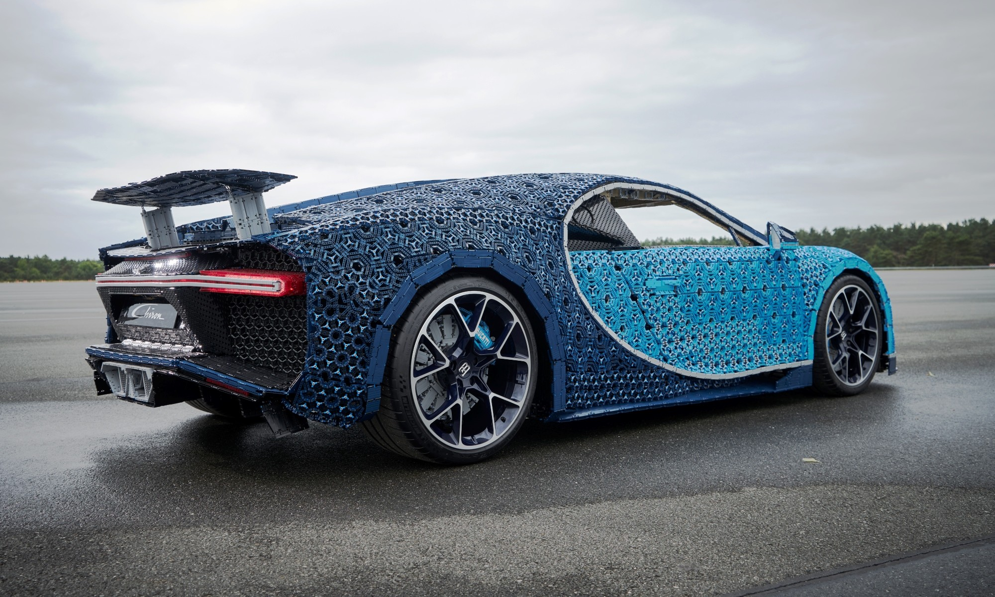 lego bugatti chiron is a life size toy that can actually. Black Bedroom Furniture Sets. Home Design Ideas