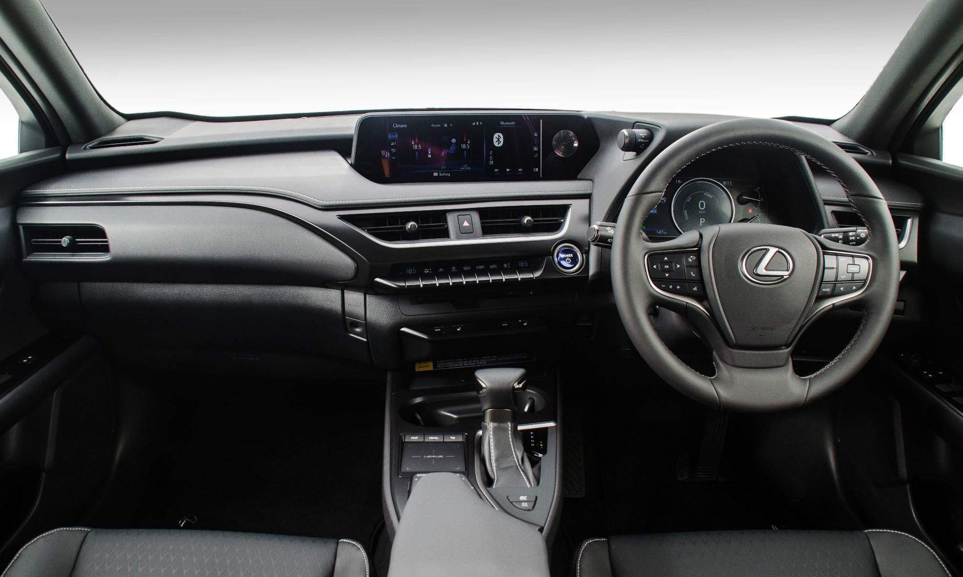 Lexus UX 250h EX interior