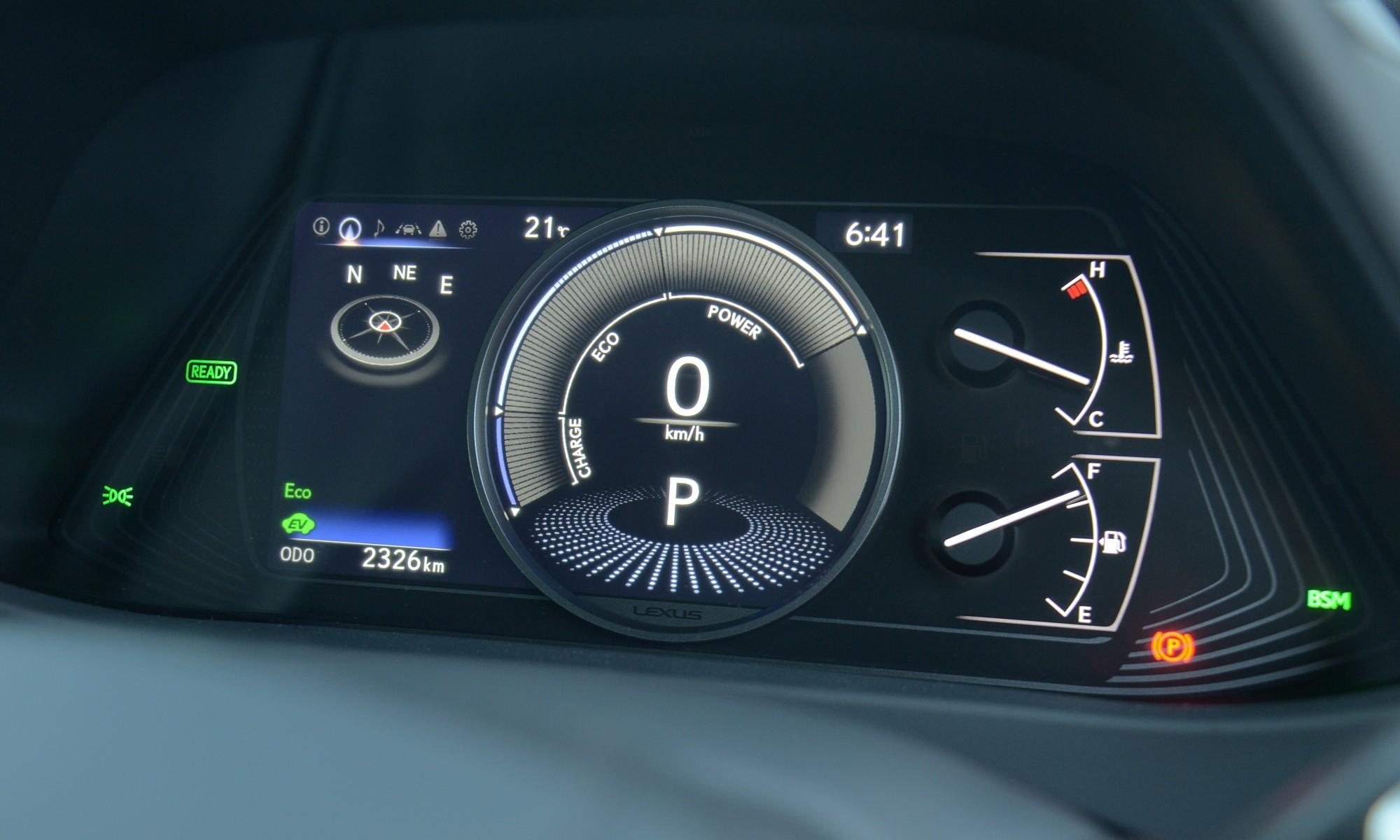 Lexus UX250h cluster