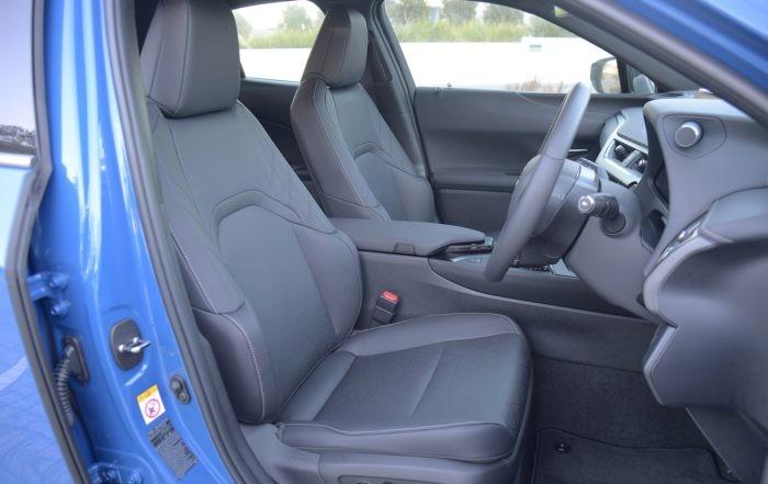 Lexus UX250h front cabin