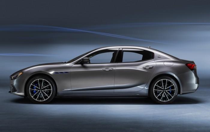 Maserati Ghibli Hybrid profile