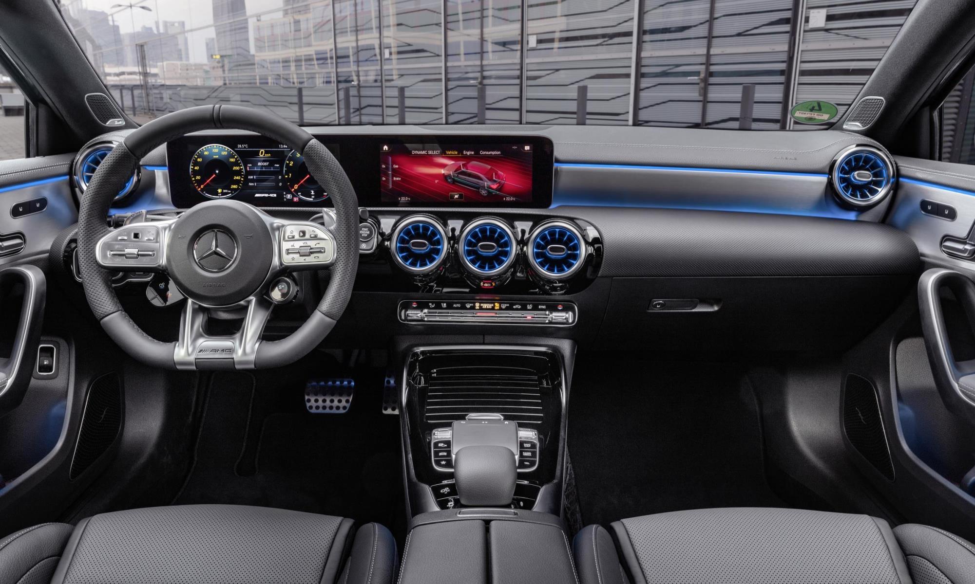Mercedes-AMG A35 4Matic Saloon interior