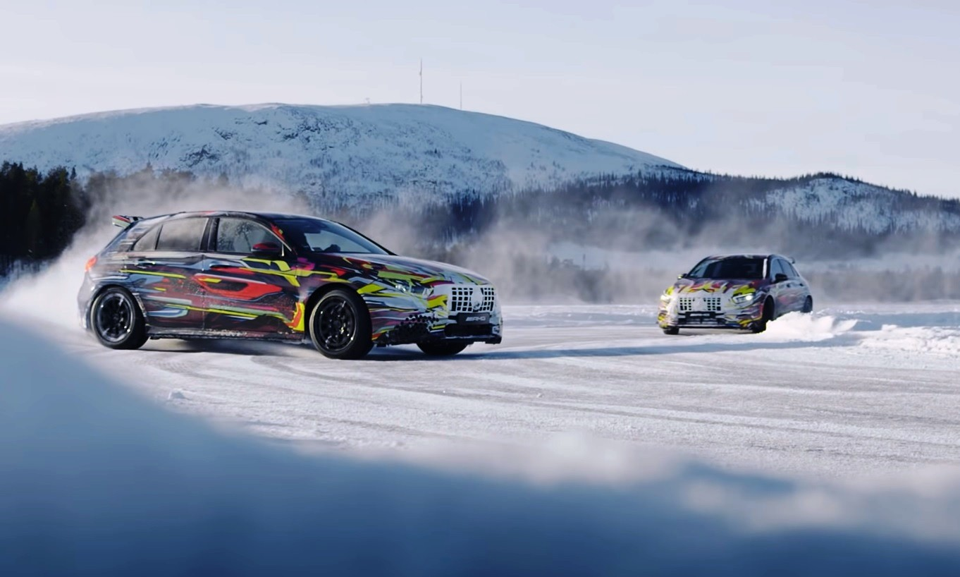 Mercedes-AMG A45 drifting