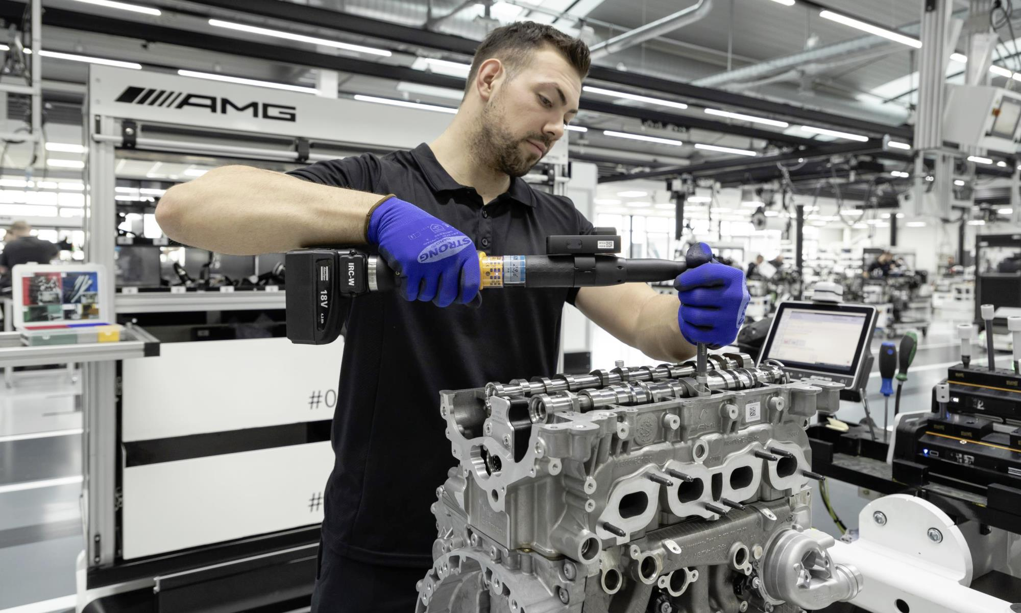 Mercedes-AMG A45 engine build