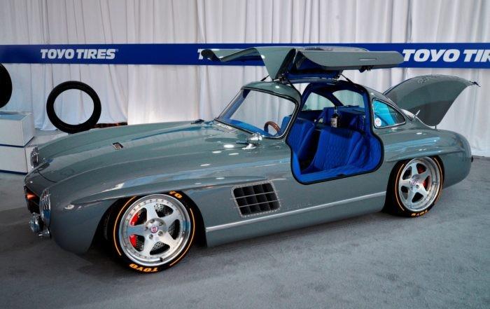 Mercedes-Benz 300SL Gullwing Clone doors 1