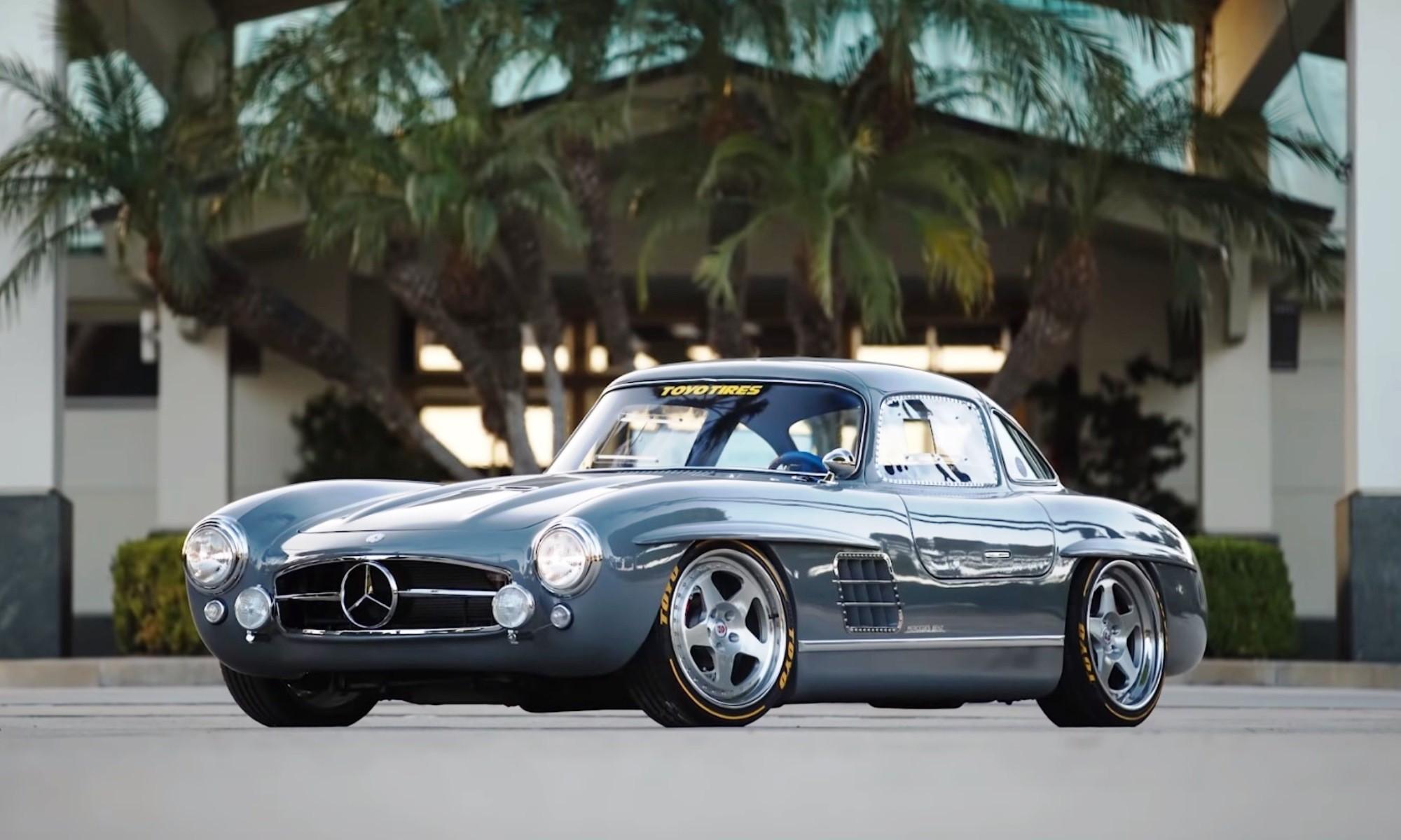 Mercedes-Benz 300SL Gullwing Clone front