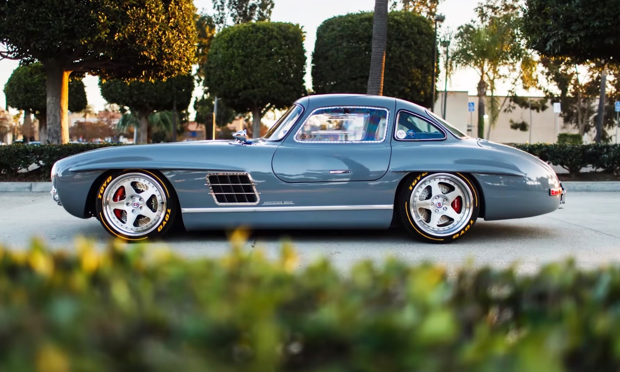 Mercedes-Benz 300SL Gullwing Clone profile