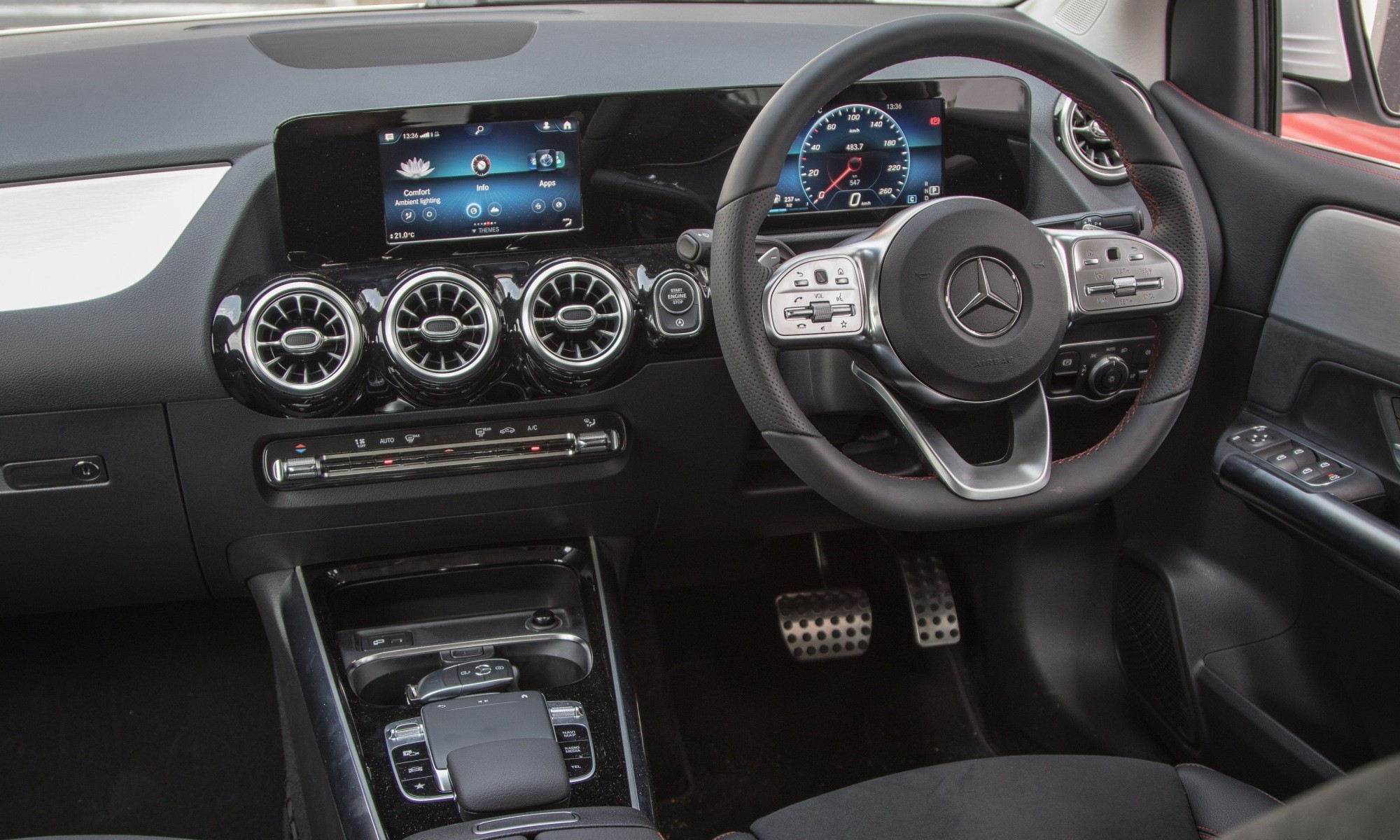 Mercedes-Benz B200 interior