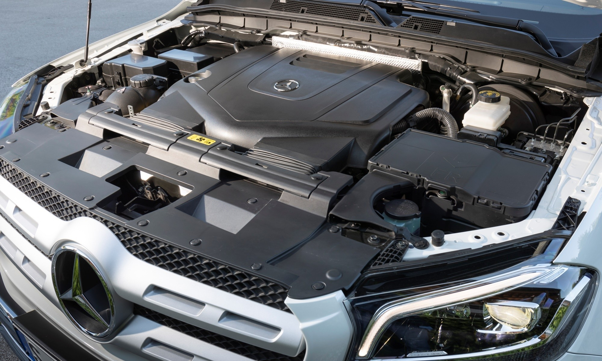 Mercedes-Benz X350d engine