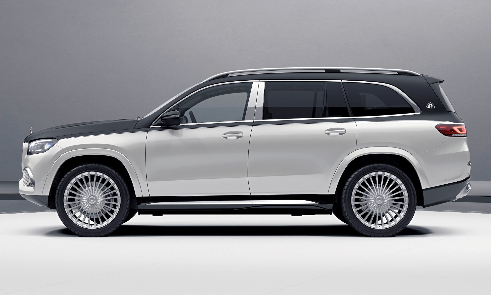 Mercedes-Maybach GLS600 profile