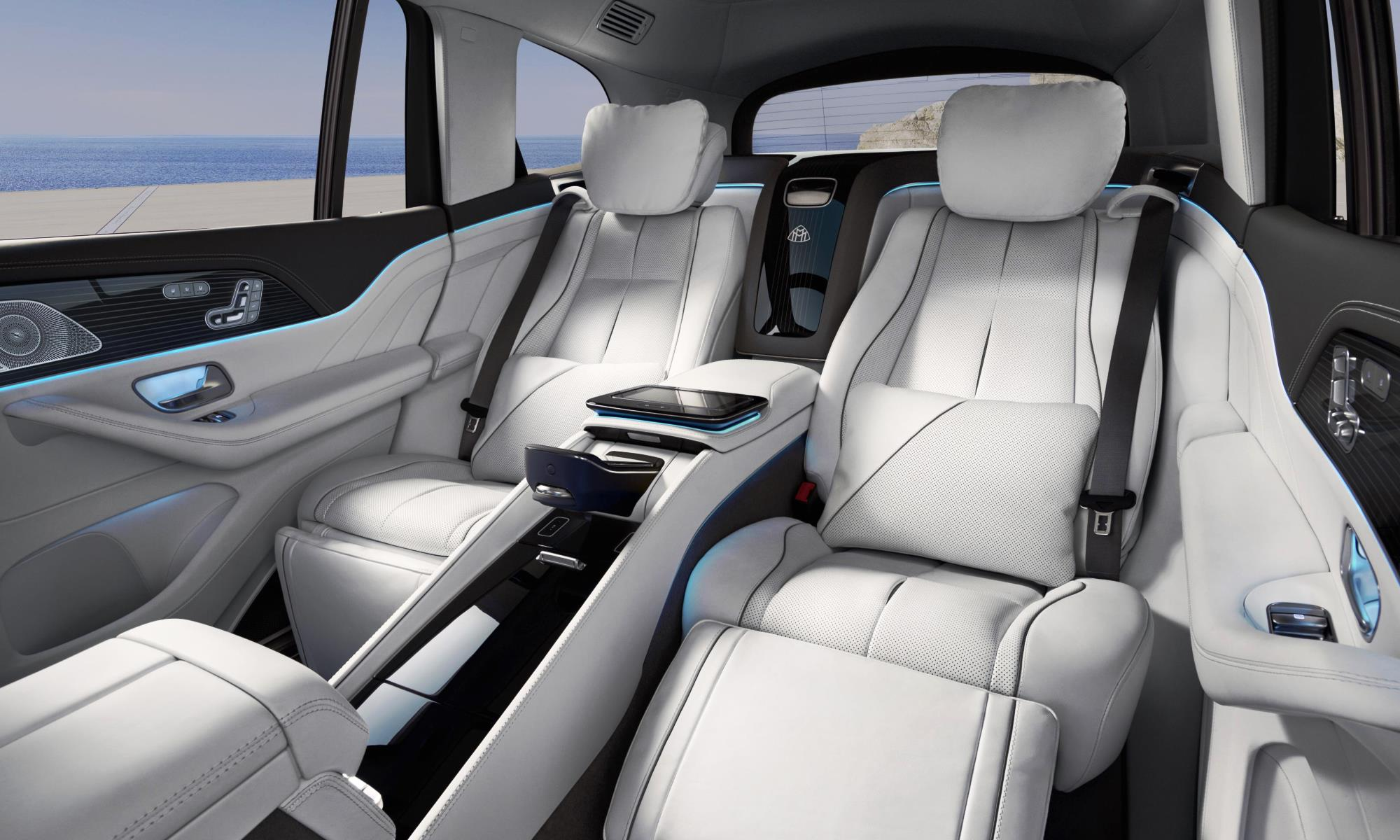 Mercedes-Maybach GLS600 rear cabin