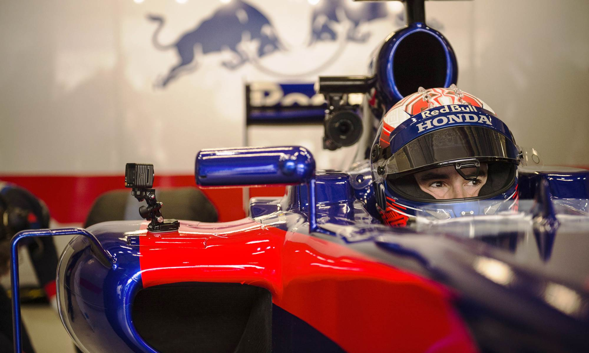 MotoGP champ tests Toro Rosso F1 car