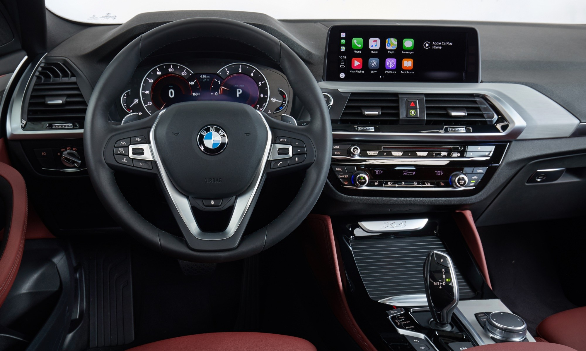 New BMW X4 interior boasts the latest generation BMW electronics