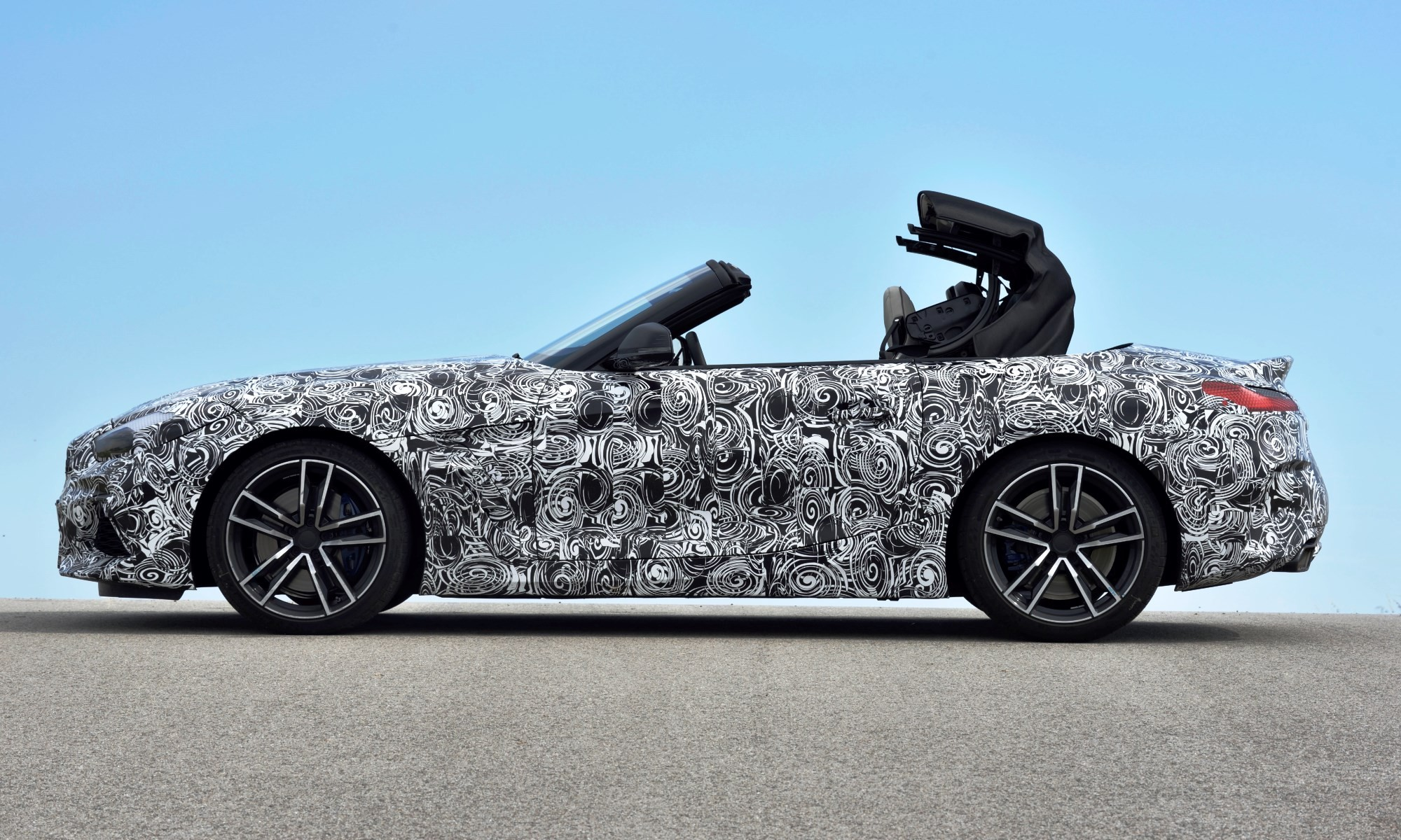 New BMW Z4 retains its soft top