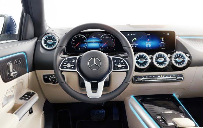 New Mercedes-Benz GLA interior