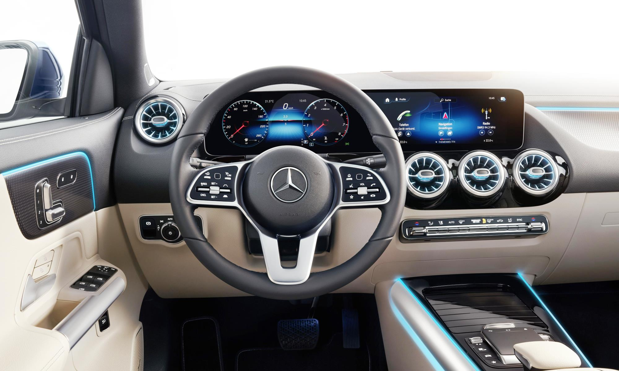 New Mercedes-Benz GLA interior