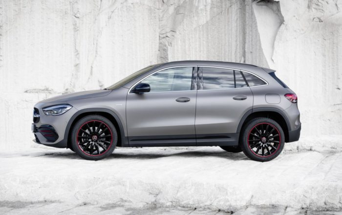New Mercedes-Benz GLA profile