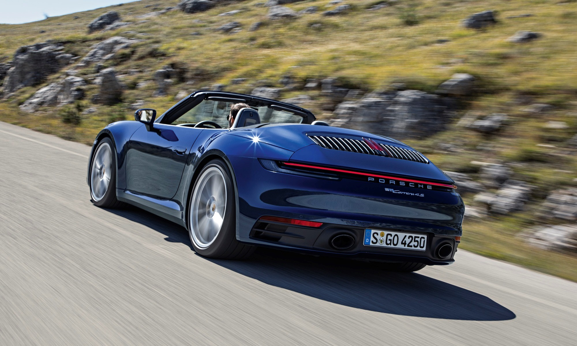 New Porsche 911 Cabriolet rear tracking