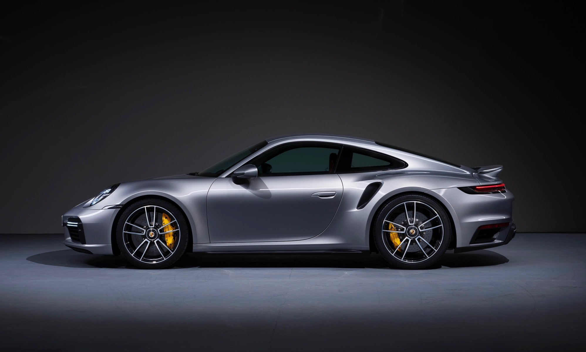 New Porsche 911 Turbo S Coupe profile